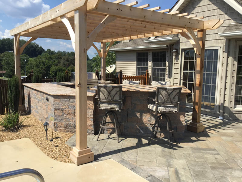 Outdoor Kitchen under pergola